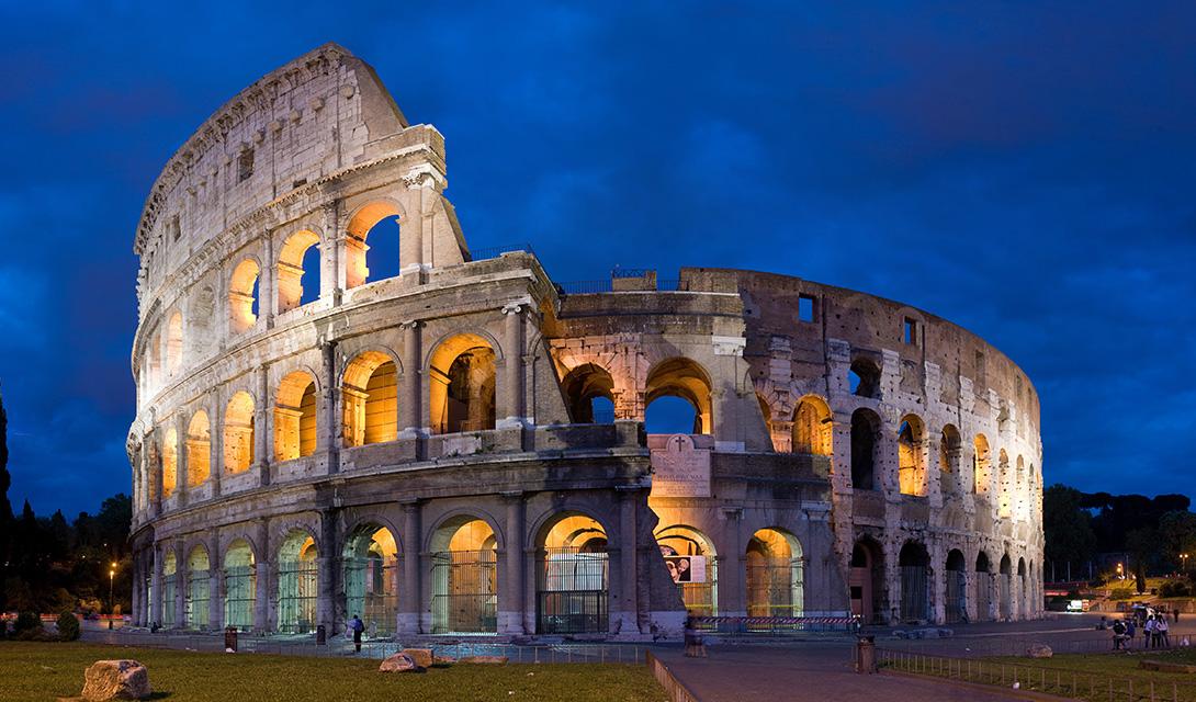 Colosseum Rome. Photo by DAVID ILIFF. License CC-BY-SA 3.0